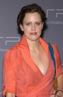 Ione Skye poster G105749