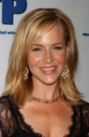 Julie Benz picture G107423