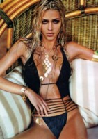 Ana Beatriz Barros picture G12022