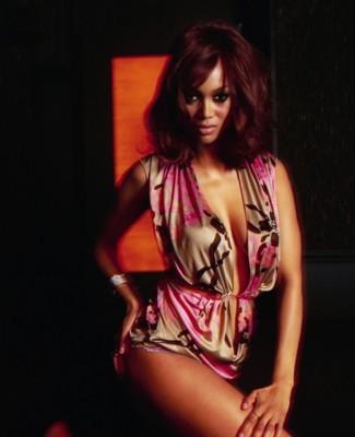 Tyra Banks poster G120735