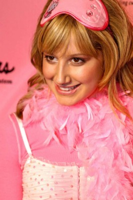 Ashley Tisdale poster G125736
