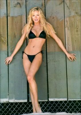 Nikki Ziering poster G130681