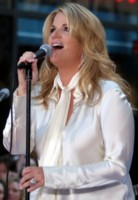 Trisha Yearwood picture G136845