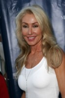 Linda Thompson picture G145251