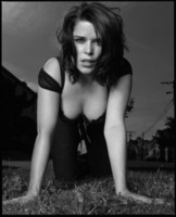 Neve Campbell picture G160118