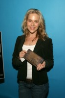 Julie Benz picture G164683