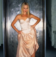 Julie Benz picture G192376