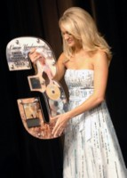 Carrie Underwood picture G198173
