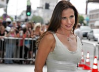 Andie MacDowell picture G205094