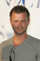 Carmine Giovinazzo & Gary Sinise picture G206528