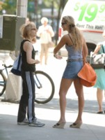 Elizabeth Berkley picture G206856