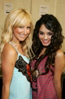 Vanessa Anne Hudgens & Ashley Tisdale picture G230406