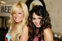 Vanessa Anne Hudgens & Ashley Tisdale picture G213635
