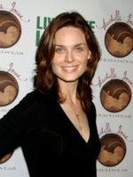Emily Deschanel picture G105094