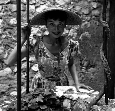 Audrey Hepburn poster G226113