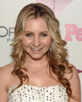 Beverley Mitchell picture G226160
