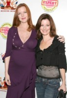 Laura Leighton picture G227226