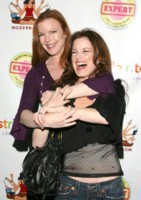 Laura Leighton picture G227225