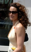 Andie MacDowell picture G81954