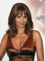 HALLE BERRY picture G228912
