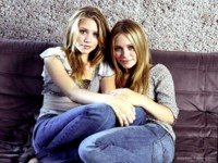 Mary-Kate & Ashley Olsen picture G231328