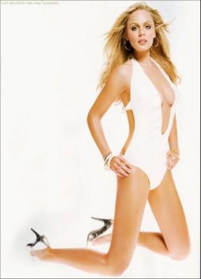 Laura Vandervoort poster G249761
