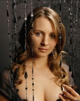 Beverley Mitchell picture G290972