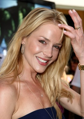Julie Benz poster G293862