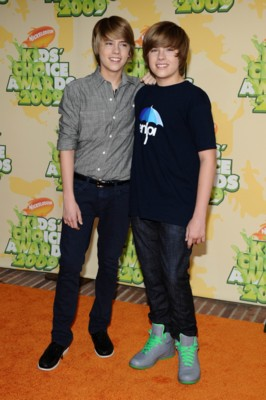 Cole and Dylan Sprouse poster G299004