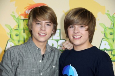 Cole and Dylan Sprouse poster G299007