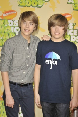 Cole and Dylan Sprouse poster G299011