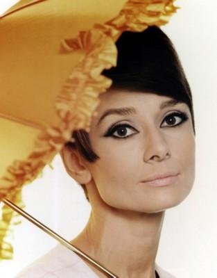 Audrey Hepburn poster G300564