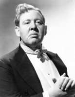 Charles Laughton picture G302152