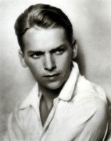 Douglas Fairbanks Jr picture G303422