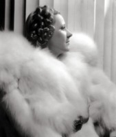 Irene Dunne picture G305930