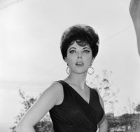 Joan Collins picture G306860