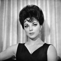 Joan Collins picture G306862