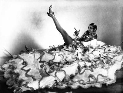 Josephine Baker poster G307414