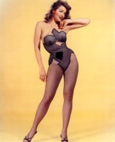 Julie Newmar picture G307572