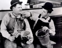 Laurel & Hardy picture G308045
