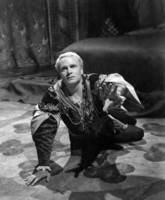 Laurence Olivier picture G308136