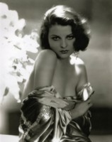 Lilian Bond picture G308243