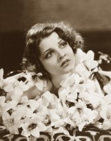 Lilian Bond picture G308245