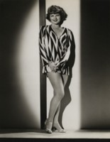 Lilian Bond picture G308247