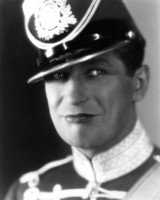 Maurice Chevalier picture G309886