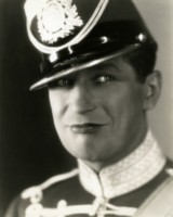 Maurice Chevalier picture G309887