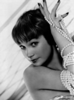 Shirley MacLaine picture G311272