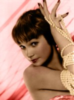 Shirley MacLaine picture G311273