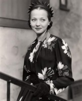 Sylvia Sidney picture G311605