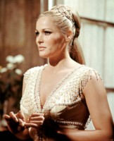 Ursula Andress picture G311990